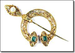 INCREDIBLE 2-Color 20k Emerald Pearl Penannular Brooch, c 1835!