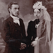 Victorian Wedding Photo, Bride with Long Veil, Antique Cabinet Card Photo