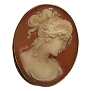 Vintage Cameo 18kt Gold Pendant Brooch