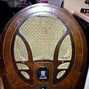 REDUCED 1930's Philco wood cathedral radio Model 89 19 Series