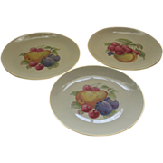 Three German Plates Fruit Design Porzellanfabrik Arzberg (Bayern).