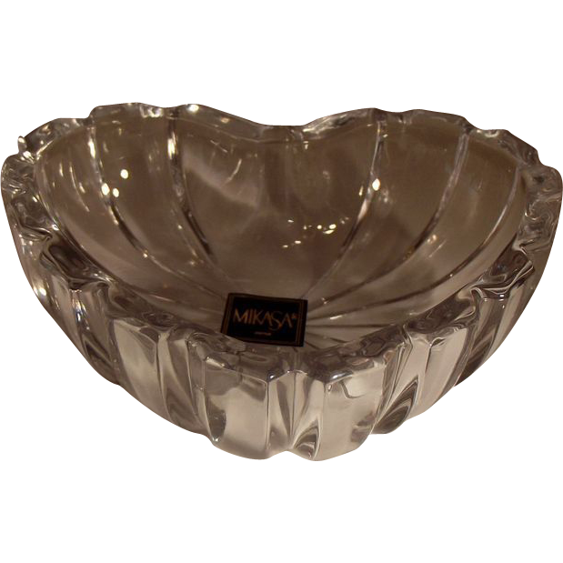 Mikasa crystal heart ring jewelry trinket dish nos from for Heart shaped jewelry dish