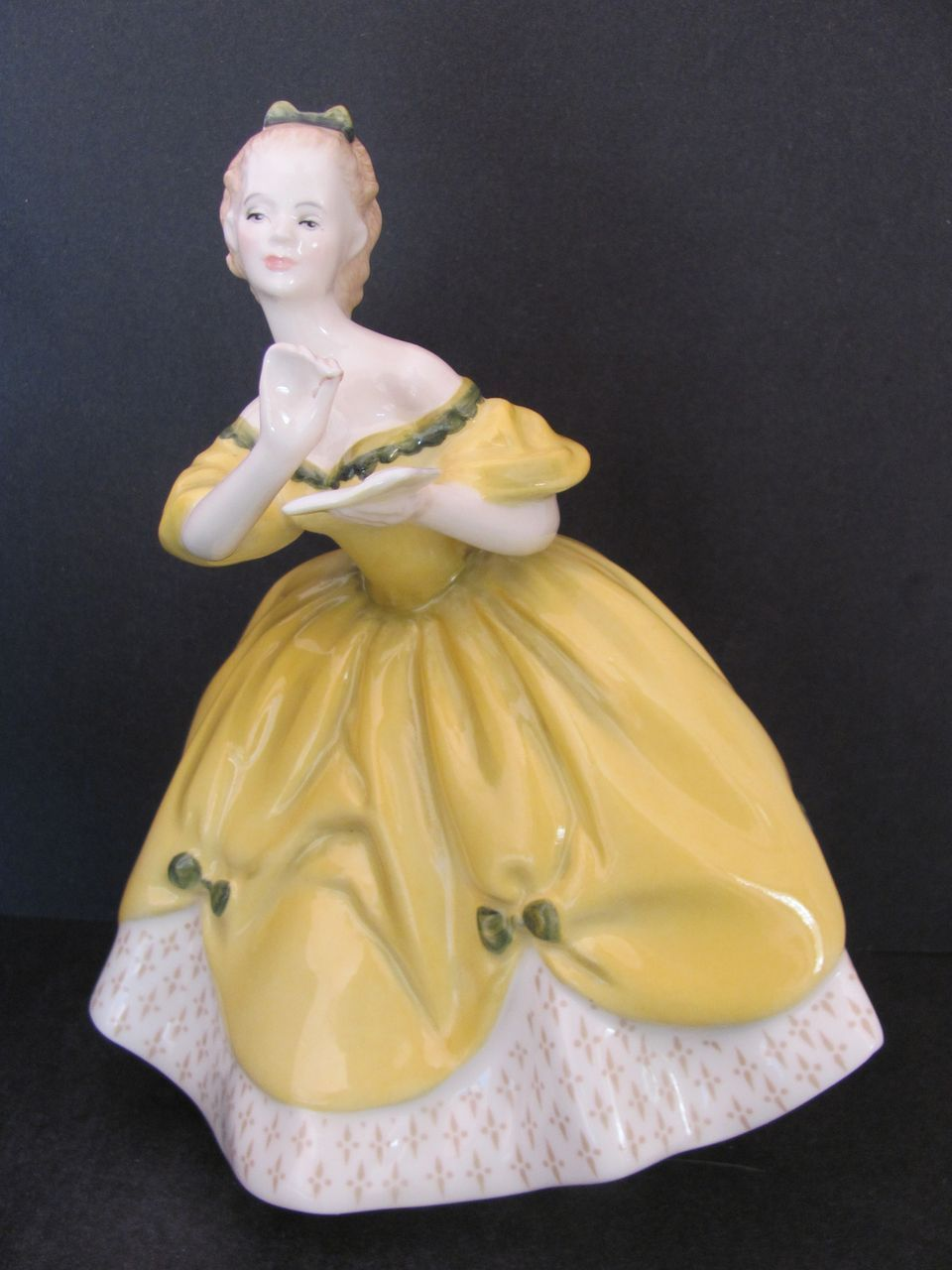 Royal Doulton The Last Waltz Figurine Hn 2315 C 1965 From