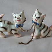 Vintage Kitten Figurines Chained Together