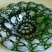 Pelegam Cheshire CT Art Glass Green w/ White Bowl Dish 2000 Signed
