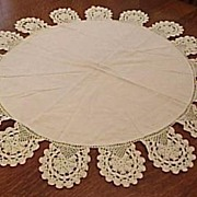Vintage Late 1930�s Round Line and Lace Table Cloth