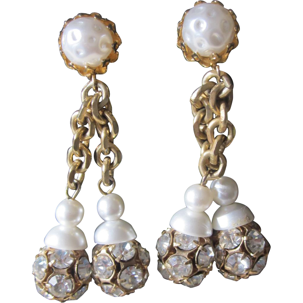 CASTLECLIFF- fabulous vintage clip earrings