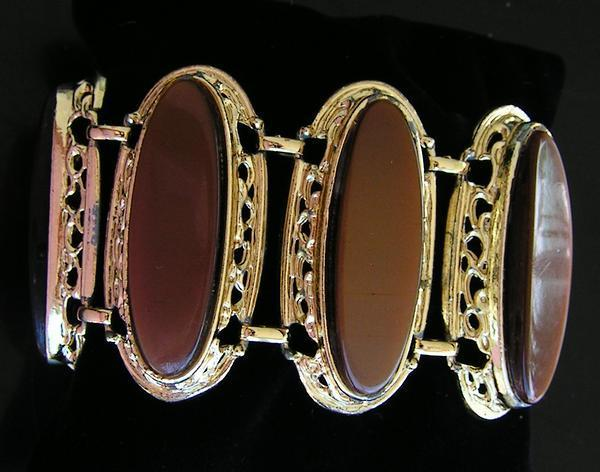 40-60's Sable Thermoset 2&quot; Bracelet-Thick Openwork Oval Links