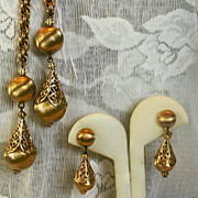 MONET 60's 'Bolero' Lariat Necklace & Earring Set