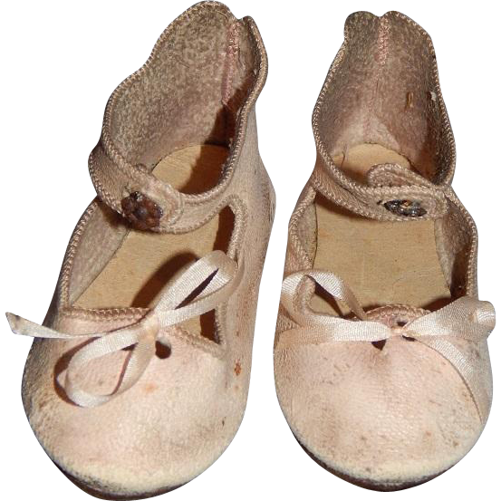 antique pink leather presentation jumeau shoes from