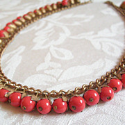 Vintage coral glass dangle berry beads and gilt chain necklace