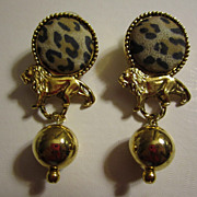 Vintage Leopard Lion gold Ball Earrings Pierced