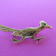 Vintage Gold Tone Road Runner Brooch Pin With Emerald Rhinestone