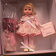 "Madame Alexander ""Collecting Dolls"" 2001-2002, #30940,Includes Dollhouse and Mini We"