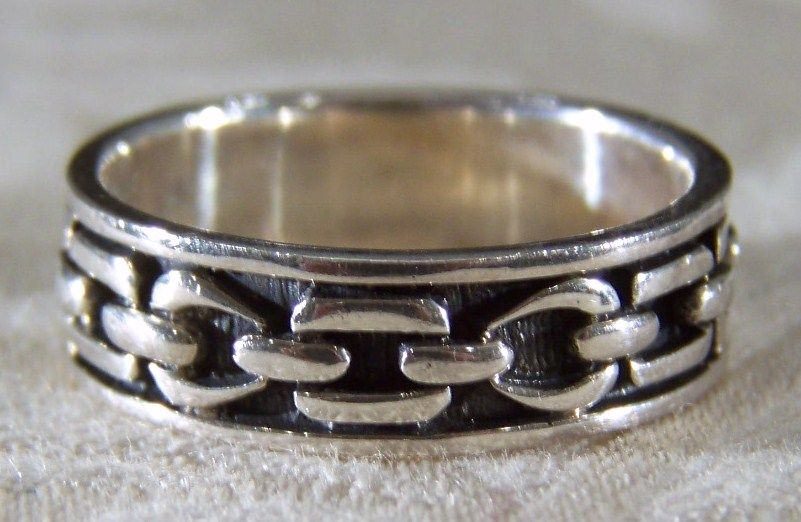 Vintage sterling silver celtic eternity style band ring 11