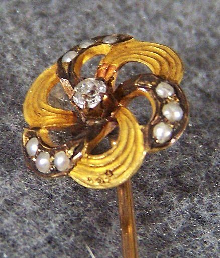 Vintage 14K Yellow Gold Diamond Cultured Pearl Stick Pin w/ Box
