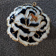 SALE Vintage Gold Tone Very Couture Large Enamel Floral Pendant, So Magical!~~