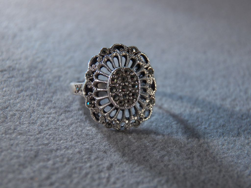 Vintage Sterling Silver Multi Round Fancy Etched Scrolled Filigree Oval Domed Band Ring, Size 7