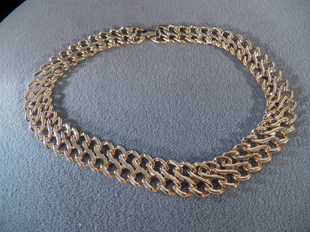 Vintage Goldtone Thick Link Necklace **