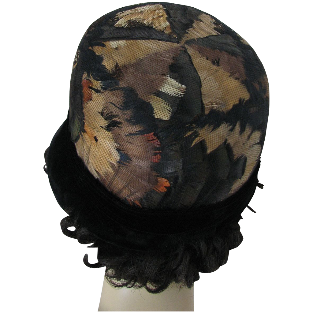 Hat Feathers Velvet 1950s Black Cloche