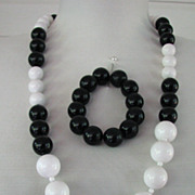 Monet Necklace and Bracelet Black White Set