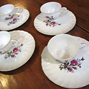 Deligthful Set of Mid Century Japan Moss Rose Snack Plates & Cups