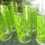 Five Retro Green Leaf Design Tall Tumblers