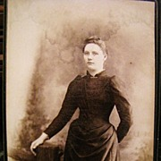 Cabinet Card of Beautiful Lady, Bennetts Lightening Portraits of  N.Y.