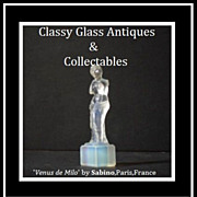 Venus de Milo Opalescent Crystal Art Glass Figurine by Sabino