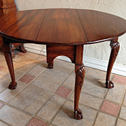 Queen Anne Gate-Leg Drop Leaf Table, Early 18th C