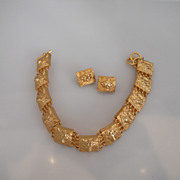 Vintage Great Looking Anne Klein Couture Gold Tone Lion Necklace WIth Earrings