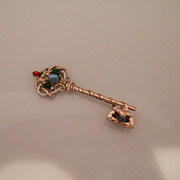 Vintage Rare Coro Sterling Rose Gold Coloured Gem Coloured Key Brooch