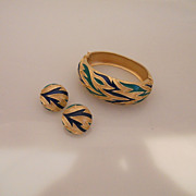 Vintage Fabulous Trifari Enamel Flames Gold Tone Bracelet With Earrings