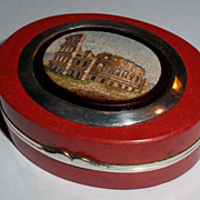 Small snuff box with micromosaic of Colosseum