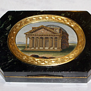 An hardstone snuff box with micromosaic of the Pantheon