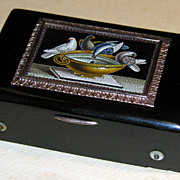 Musical snuff box with micromosaic of Pliny's Doves