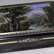 Snuff box with micromosaic landscape
