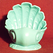 Abingdon Pottery 504 Green Shell Planter in Excellent Condition