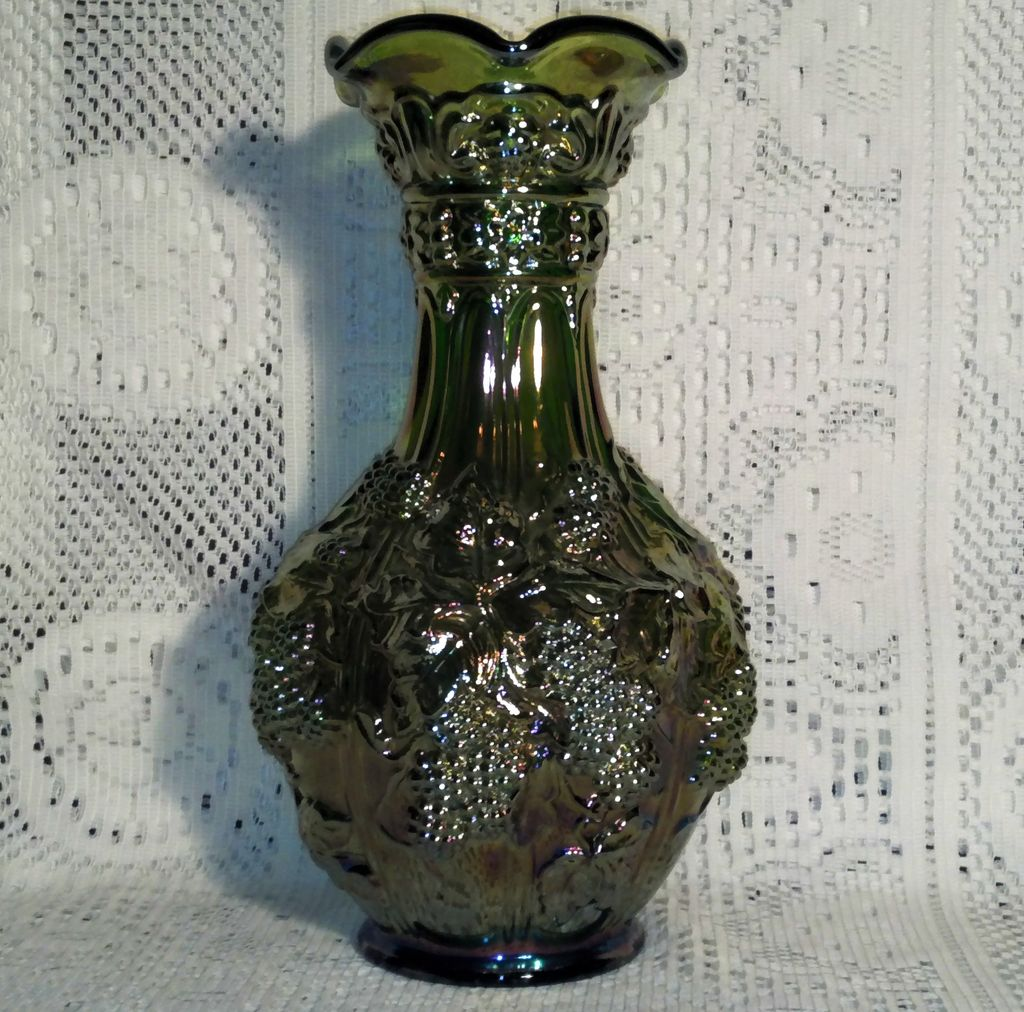 Imperial Green Carnival Glass Loganberry Vase in Perfect Condition