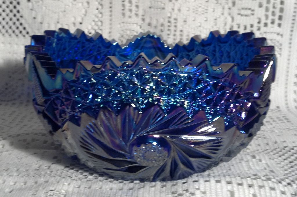 L.E. Smith Comet in the Stars Blue (Purple) Carnival Glass Bowl