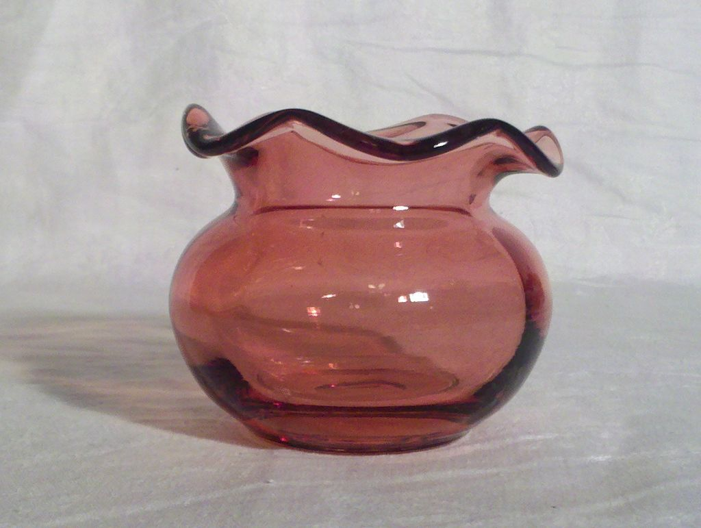 Pilgrim Cranberry Glass 3 inch Vase in Perfect Condition