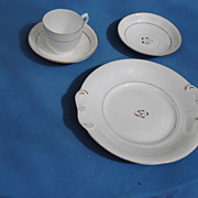 4 Pieces Tea Leaf Lustre Porcelain....19th c.