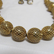 Stunning Gold Tone  Necklace  Rhinestones