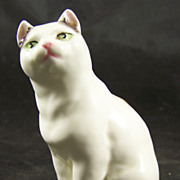 RW3626 SHORT-HAIRED CAT by Royal Worcester Modeller Freda Doughty