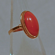 Vintage Natural Coral Ring European 18 k Gold Ring