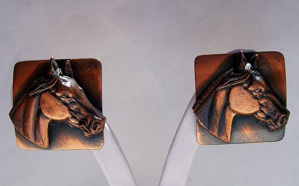 Great rockabilly copper  western cowgirl horse earrings