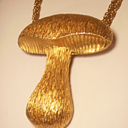 Vintage Large Gold Tone Mushroom Pendant Necklace Boho