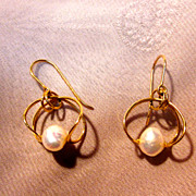 14K Yellow Gold Dangle Earrings with Pearls