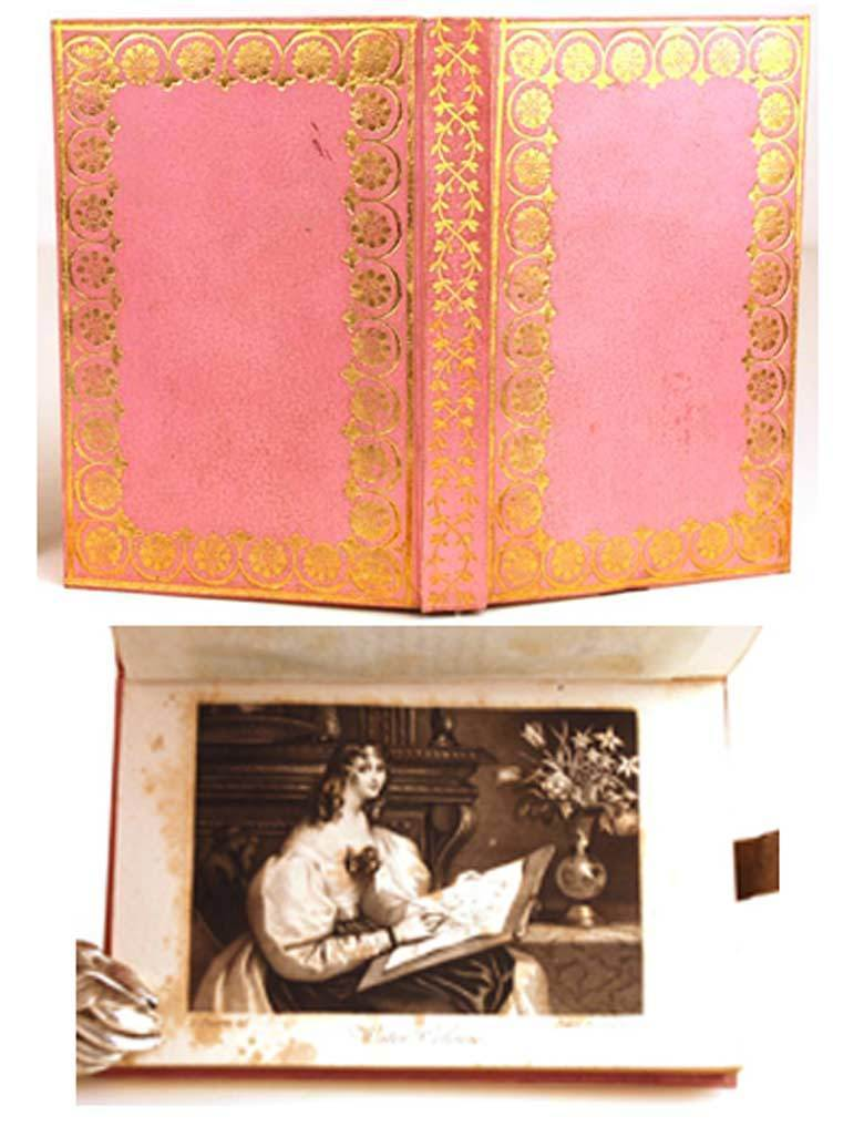 "Antique French Ladies Almanach w/Etui (Box), ""Hommage aux Dames, Morceaux Choisis de Litterature"" circa 1820-1830"