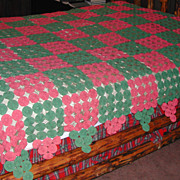 Vintage c. 1940s YoYo Quilt Hand Sewn Pink & Green will fit Queen